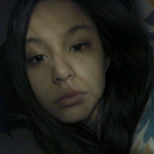 Claudia Estefania's avatar