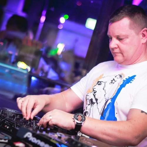 Ian Redmond DJ E's avatar