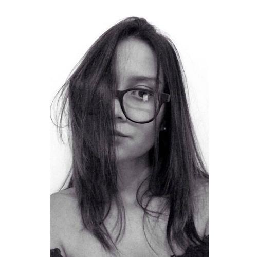 Tita Moreira's avatar
