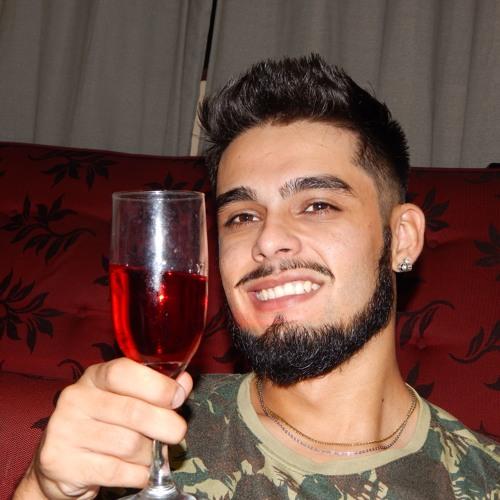 Michael Ferreira 10's avatar