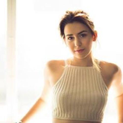 Victoria Cruz's avatar