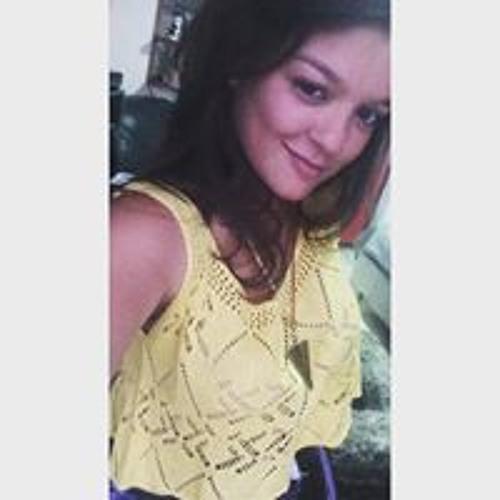 Carolaine Moura's avatar