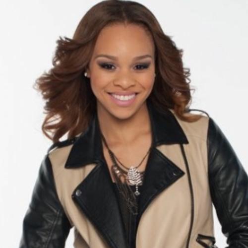 Courtni Renei's avatar