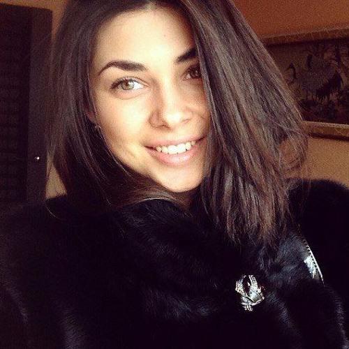 Angela White's avatar