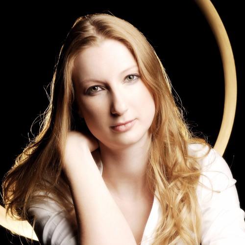 Caroline Tyler plays Debussy. Pour les agrements