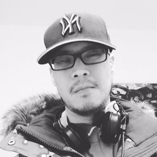 DJ Seoul Train's avatar