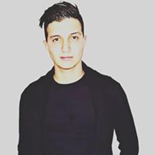 Luca Compagnone's avatar