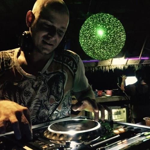 DJ Calimero's avatar