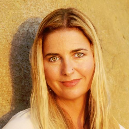 Eva Tree's avatar