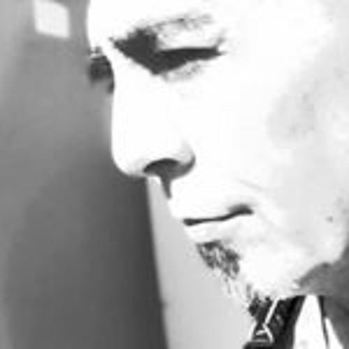 Ray La Veau's avatar