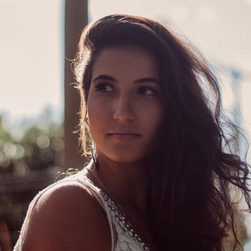 Luísa Macêdo's avatar