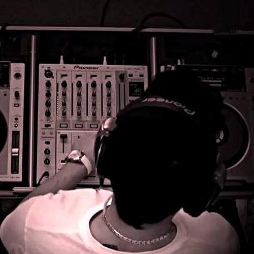 DJ MANUEL MORA's avatar