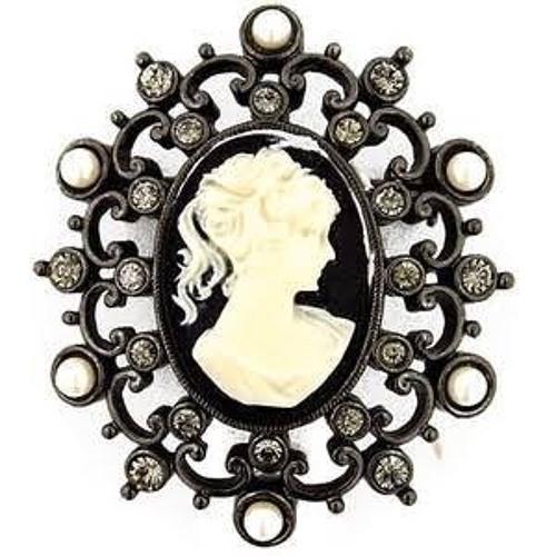 Sali Bracewell's avatar