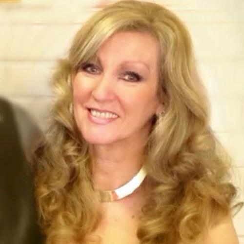 Debbie-Lee Richardson's avatar