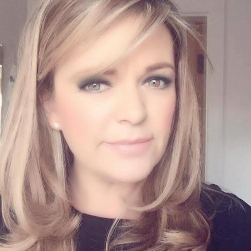 Donna Oulton's avatar
