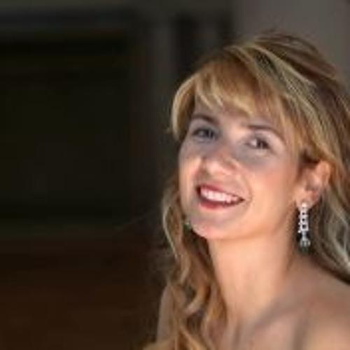 Esra Abacioglu Akcan's avatar