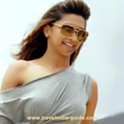 Arya Bhagat's avatar