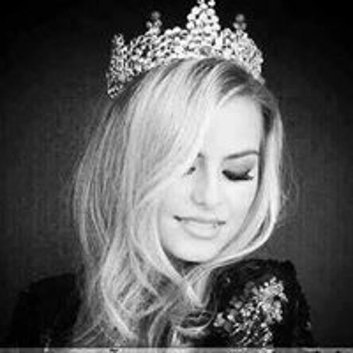Mary Emad's avatar
