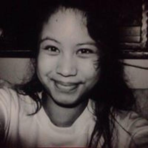 Lydia Sahrom's avatar