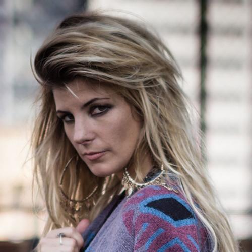 Eliana Burki's avatar