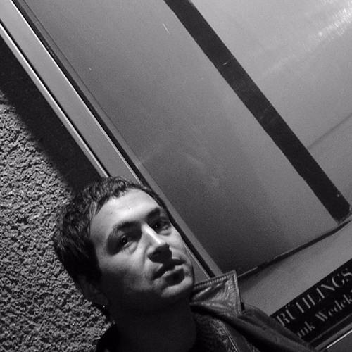 Luis Menacho's avatar