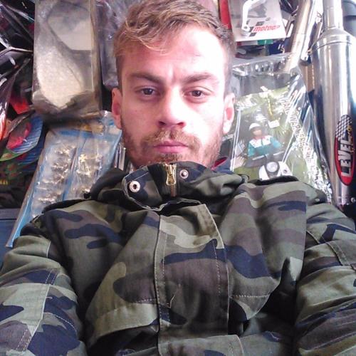 Konstantin Sonia's avatar
