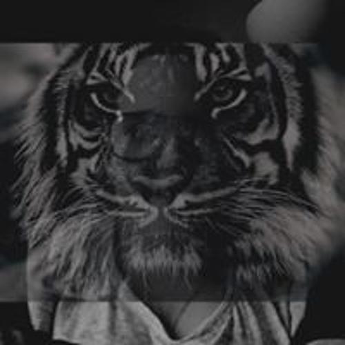 Melia Adrian Valentine's avatar
