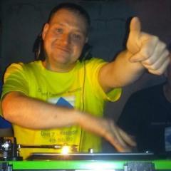 DJ Danny Dee