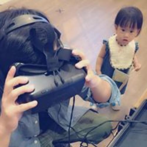 Sung Heng's avatar