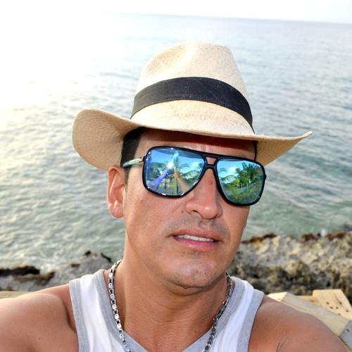 Javierthouch's avatar