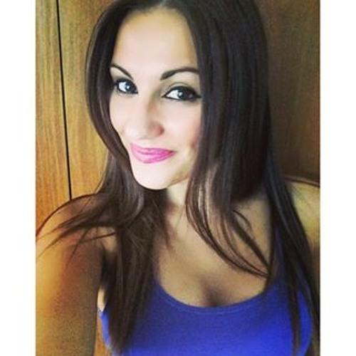 Kim Cruz's avatar