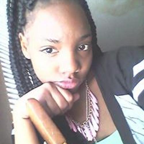 Itrevia May's avatar