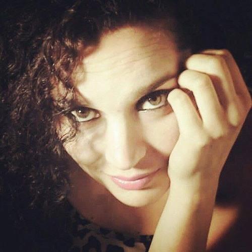 Carola Flores Rodríguez's avatar