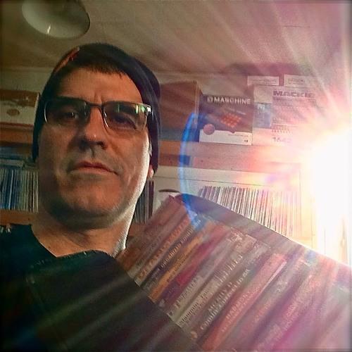 Libraryofvinyl's avatar