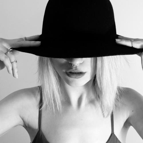 Elvira Jpeg's avatar