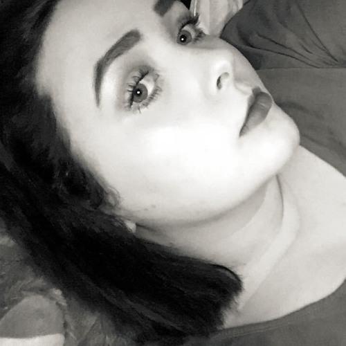 Emelia_'s avatar