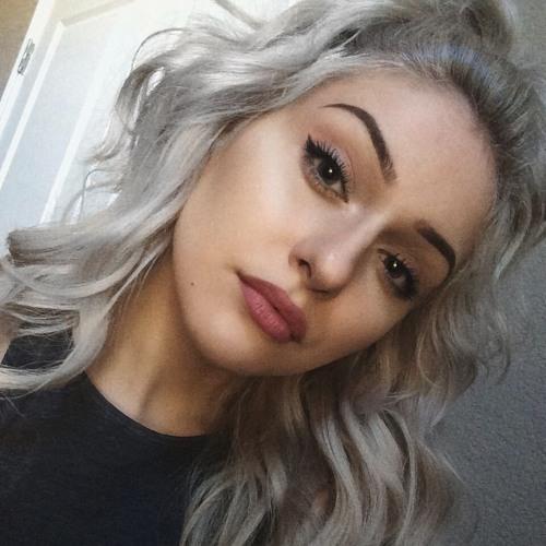 Veola Warfield's avatar
