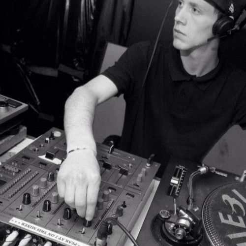 DJ Candon's avatar