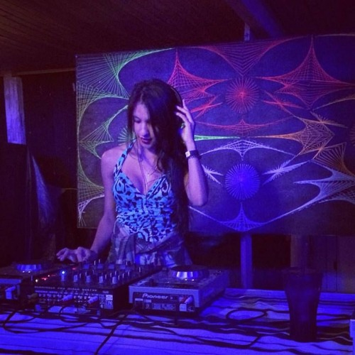 Pâmella Dias's avatar