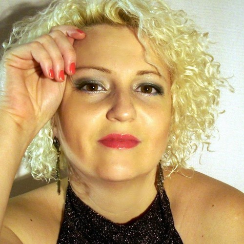 Joanna Joys's avatar