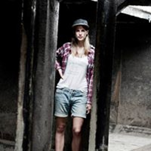 Lena Foks's avatar