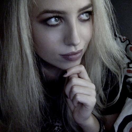 Domina's avatar
