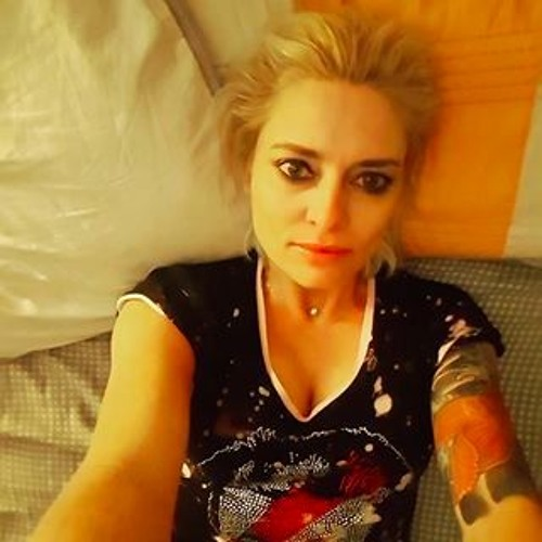 LA Woman's avatar