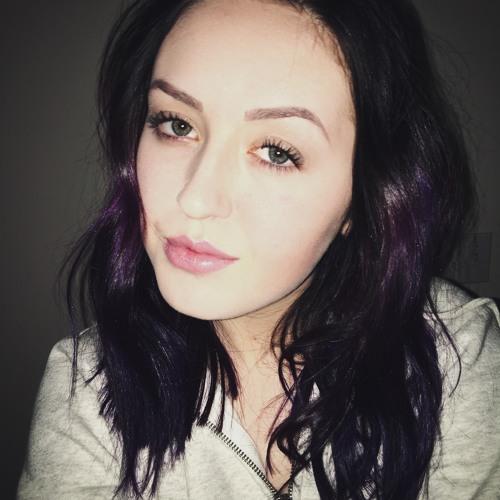 yasmine shay