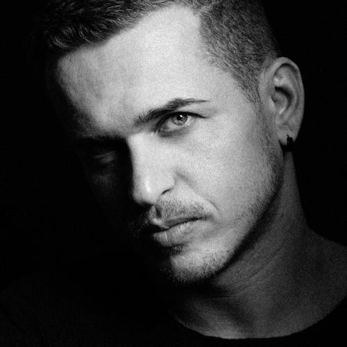 Mike Vinyl's avatar