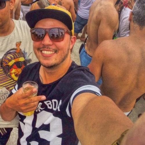 Arthur Alves's avatar