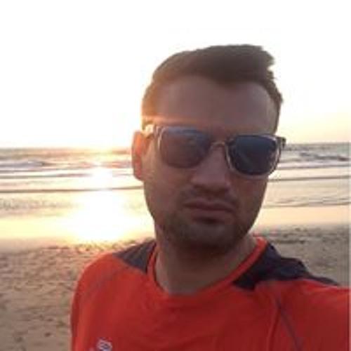 Saify Naqvi's avatar