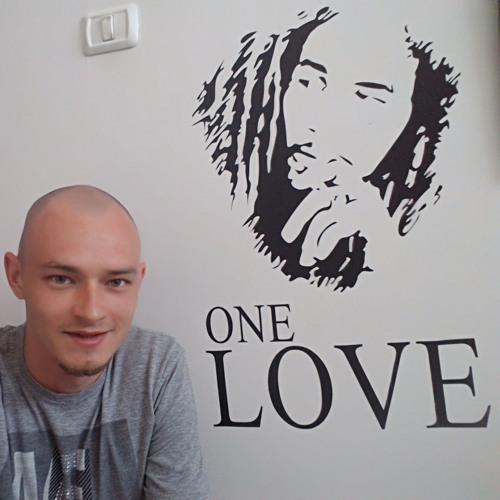 Max Zusman's avatar