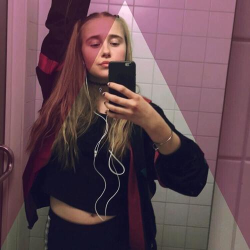 Ebba Bostrom's avatar
