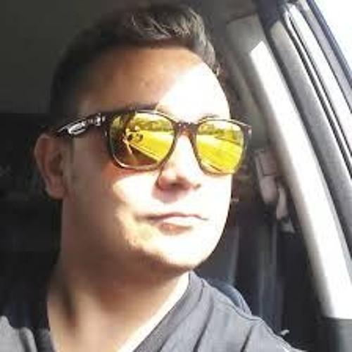 Gustavo Barros's avatar